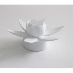 Fleur de nénuphar lumineuse. Fabrication alsacienne.